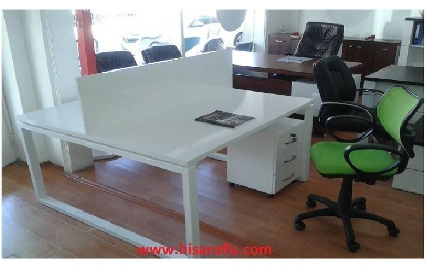 metal ayaklı personel masası